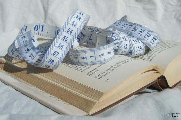 book tape measure 7 caption