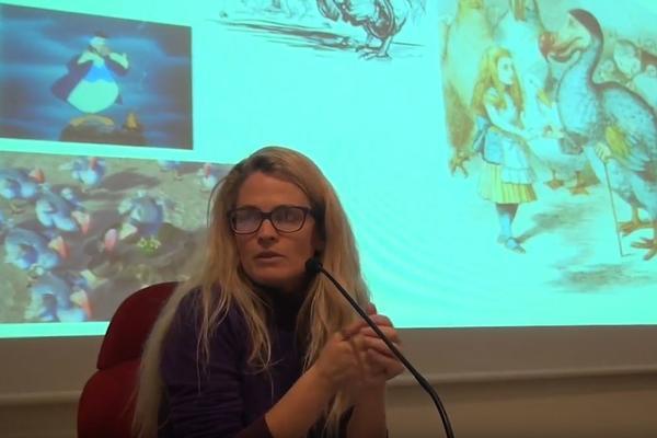 Dr Elena Canadelli