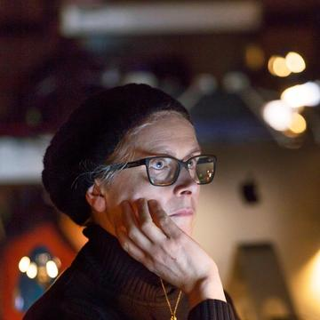 Profile head shot of Katie Mitchell