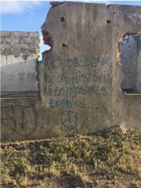 no oblidiem ni la historia ni les nostres enemics forget neither the history or our enemies